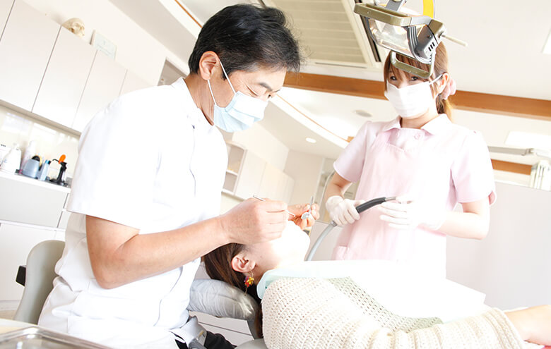 「これって歯周病?」 ―歯周病の症状と治療のタイミングー